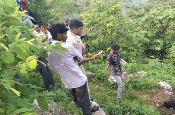 मंदिर के पास जंगल में मिली महिला की लाश, क्षेत्र में लोगों के बीच कौतूहल का विषय...