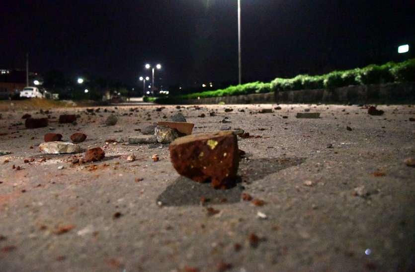 राजधानी में फिर तनाव! जयपुर के गंगापोल इलाके में पथराव, पुलिस ने उपद्रवियों को खदेड़ने के लिए किए हवाई फायर