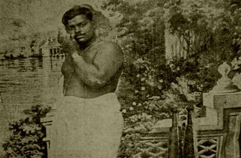 जब 'आजाद' को खोज रही थी अंग्रेजी हुकूमत, तब इस मंदिर में शिव आराधना कर रहे थे चंद्रशेखर