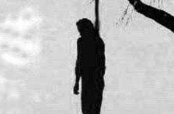 क्षेत्राधिकारी ने हसनगंज कोतवाली क्षेत्र में पेड़ से लटके मिले शव के विषय में बताया
