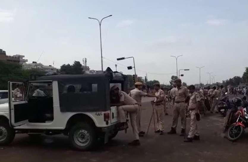 चारदीवारी में उपद्रव के बाद शांति, नुक्कड़ सभाएं कर पुलिस कर रही समझाइश, 307 लोग चिन्हित