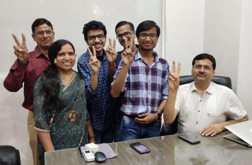 Ca final exam Result :  देश में टॉपर कोटपूतली (जयपुर) के अजय और छठी रैंक प्राप्त कृतिका से जाने सफलता के मूलमंत्र
