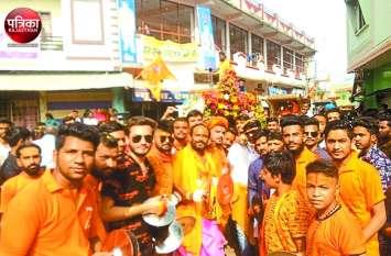 'हर हर महादेव' के जयकारों संग निकली महाकाल की शाही सवारी, शिवमय हुआ कुशलगढ़, उमड़ा भक्तों का सैलाब