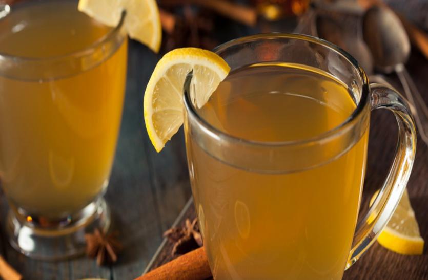 चर्बी घटाकर पेट के रोगों से दूर रखता है लेमन ड्रिंक