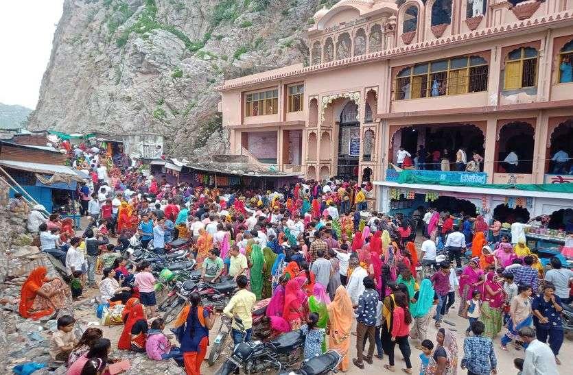 श्रावण मास के आखिरी वन सोमवार को बीसलपुर में भक्तों का उमड़ा सैलाब