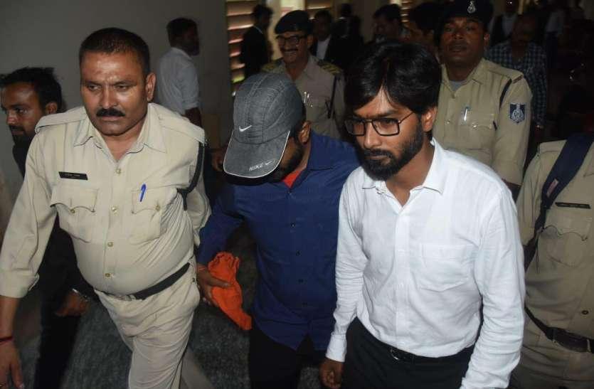 एबीवीपी के पूर्व प्रदेश संगठन मंत्री धाकड़ ने किया सरेंडर, कोर्ट से भेजा गया जेल