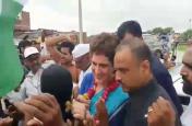 मिर्जापुर में कांग्रेस कार्यकर्ताओं से मिलीं प्रियंका गांधी, उभ्भा गांव पहुंचने से पहले किया यह ट्वीट