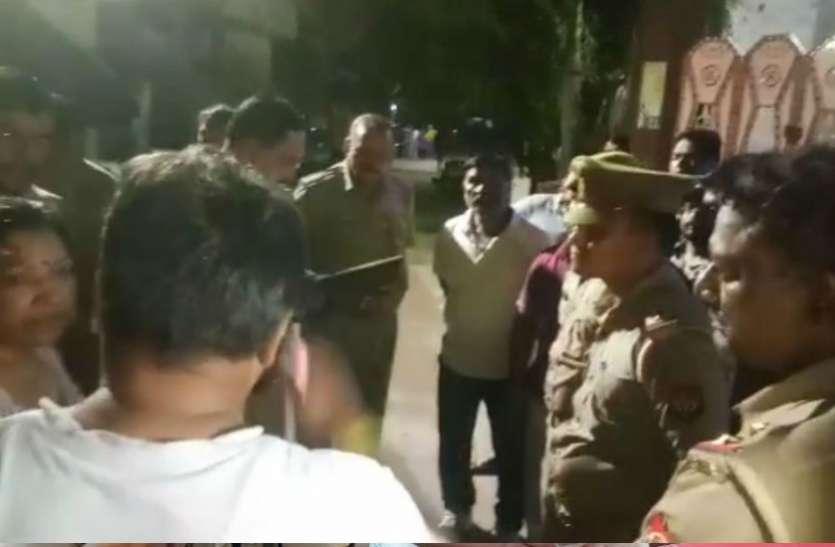फिरोजाबाद में बाइक सवार बदमाशों ने फैक्ट्री मालिक पर की फायरिंग, सीसीटीवी में कैद हुई घटना