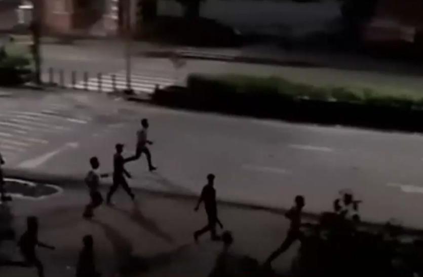 Image result for जयपुर में मंगलवार रात फिर हुई हिंसा, इंटरनेट पर प्रतिबंध जारी