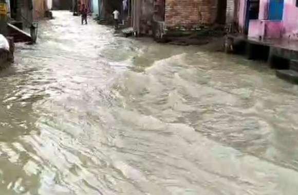 राजस्थान के पाली शहर में भी बाढ़ जैसे हालात, कई ट्रेनें रास्ते में अटकी हुई