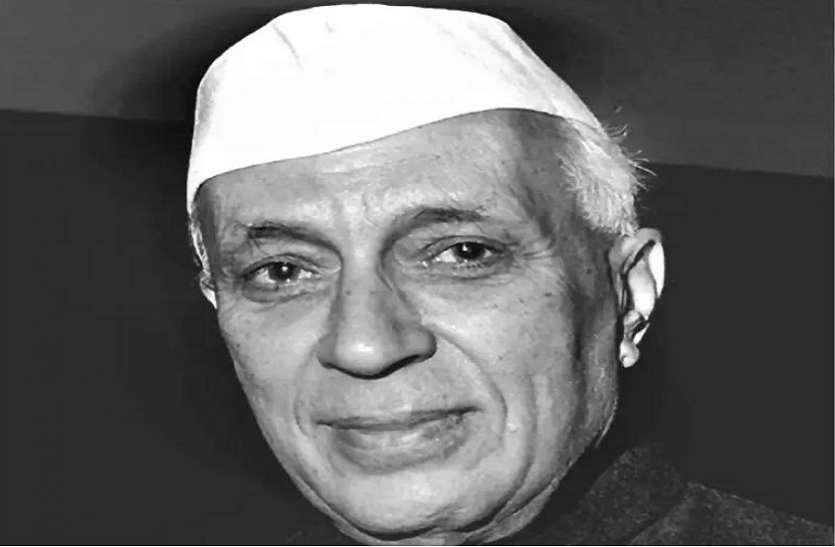 जश्न-ए-आजादी में न राष्ट्रगान बजा, न नेहरू की हैसियत पीएम की थी