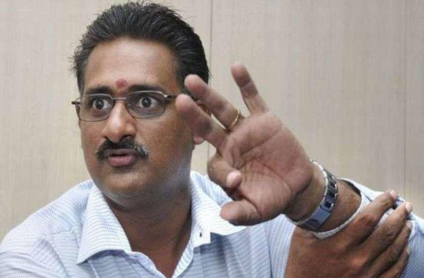 दुर्व्यवहार के बावजूद मैनेजर सुनील को टीम के साथ रहने की मिली इजाजत, मांगी माफी