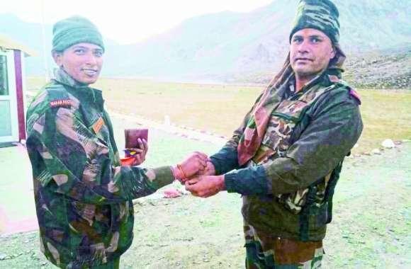 Rakshabandhan 2019: श्रीनगर में तैनात भाई को न राखी भेज पा रही और न हो रही बात, सूनी रहेगी कलाई