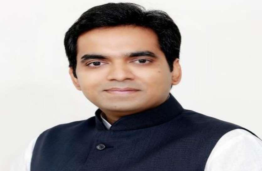 Special Interview: राजनाथ सिंह के विधायक बेटे इस रक्षाबंधन पर बहनों को देंगे ये खास तोहफा