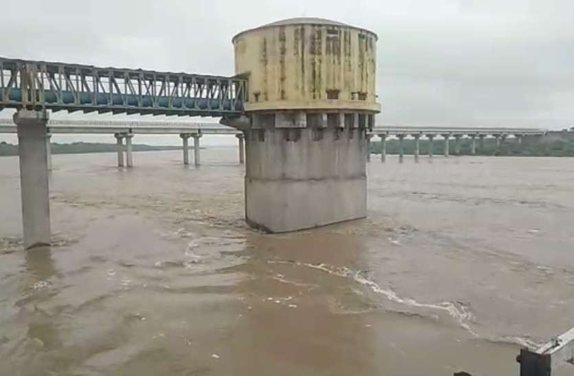 Water Level Of River Chambal Above Danger Mark In Dholpur