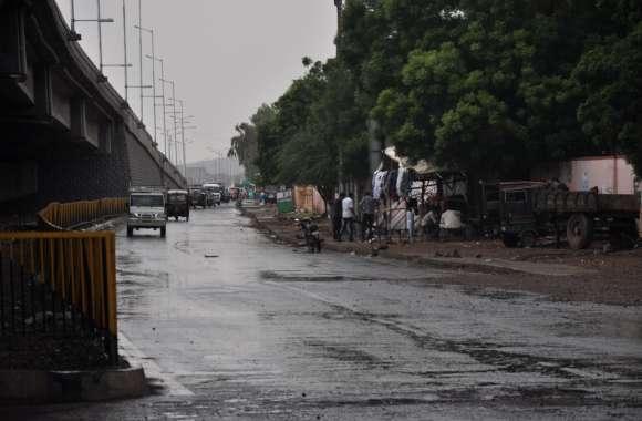 बाड़मेर जिले में बरसे मेघ, झमाझम बारिश से मौसम हुआ खुशनुमा