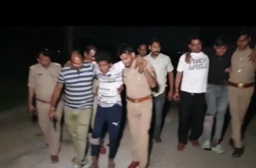 बदमाशों पर फिर आफत बनकर टूटी नोएडा पुलिस, पुलिस ने ऐसे किए दो इनामी गिरफ्तार