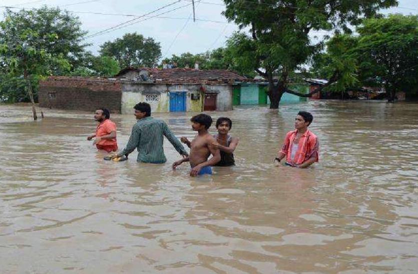 चंबल नदी का पानी करौली के गांवों में आया, NDRF की टीम प्रभावित इलाकों के लिए रवाना, प्रशासन हुआ अलर्ट