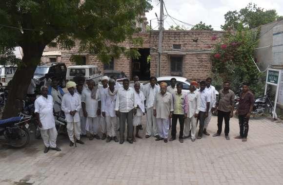 गांवों की जनसंख्या को देखते हुए गांव को अलग करने की जरुरत नहीं