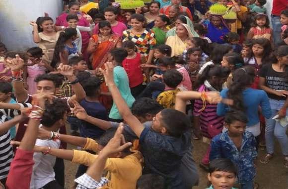 पारंपरिक त्योहार भोजली की चारों ओर बिखरी खुशियां, एक-दूसरे को भोजली भेंटकर दोस्ती का दिया परिचय