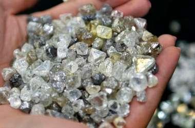 धरती की गहराई में मिला हीरों का खजाना, चांद से भी पुराना है इसका नाता