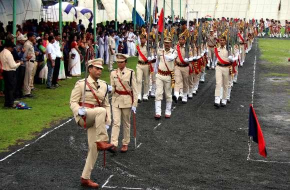वन मंत्री सिंघार ने ध्वजारोहण किया
