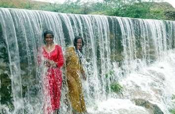पचवारा में 200 तो दौसा में 170 एमएम पानी बरसा, सूरजपुरा बांध पर चली चादर