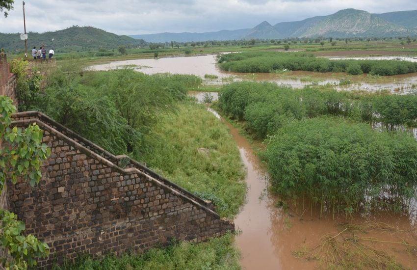 alwar jaysamand dam news जयसमंद बांध रीता, भरतपुर बह जाता है पानी