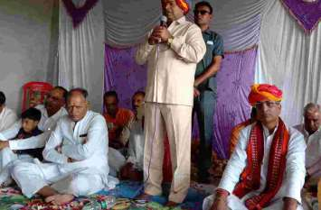 केन्द्रीय मंत्री थावरचंद गहलोत आए शौली हनुमान मंदिर