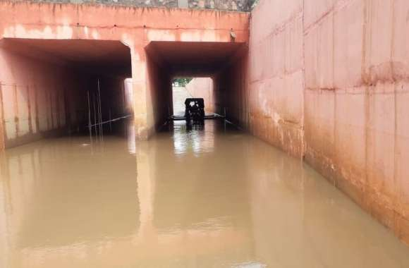 बारिश में रेलवे के अंडरपास बने जानलेवा