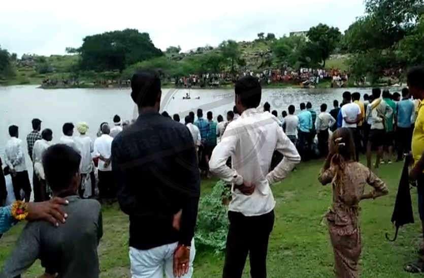 भीलवाड़ा: बारिश से कई गांव जलमग्न, दो की मौत,बहादुरों का झोपड़ा में फंसे लोगों को रेसक्यू कर बाहर निकाला