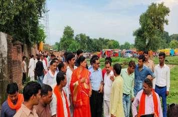 भाजपा विधायक साधना सिंह ने अधिकारियों के साथ किया निरीक्षण, कहा विकास कार्यों में आयेगी और तेजी