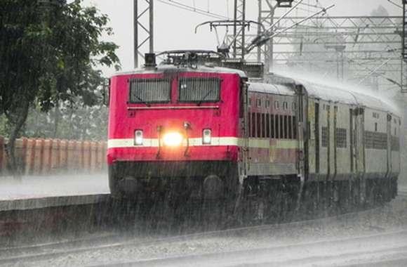 Heavy rain : भारी बारिश ने रोकी ट्रेनें, जोधपुर-इंदौर एक्सप्रेस शॉर्ट टर्मिनेट, ये गाडिय़ां निरस्त
