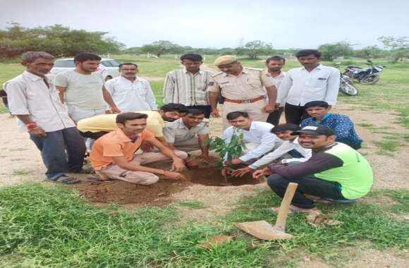 राजस्थान पत्रिका का हरयाळो राजस्थान अभियान : पौधरोपण कर देखभाल करने का संकल्प