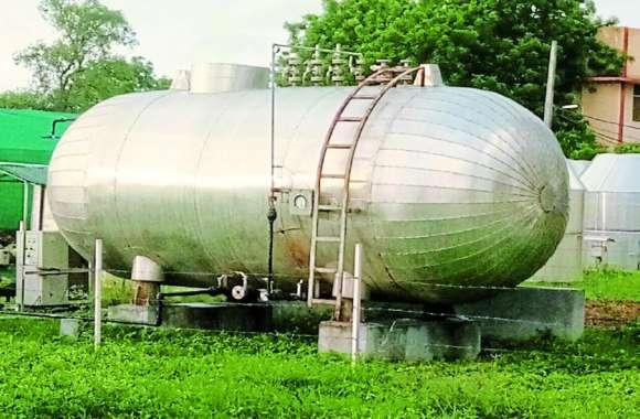 कभी भी फट सकता है हजारों लीटर गैस से भरा ये टैंक, ग्वालियर में मच सकती है भारी तबाही