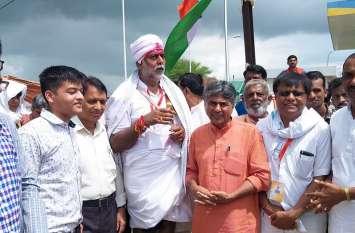 दमोह जिले में सांसद प्रहलाद सिंह पटेल की स्वराज यात्रा का प्रवेश, सोमवार को दमोह शहर में यात्रा...