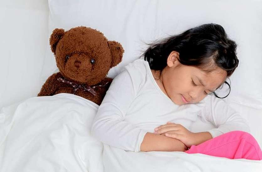 एब्डॉमिनल माइग्रेन की वजह से बच्चों को होता है बार-बार पेट दर्द
