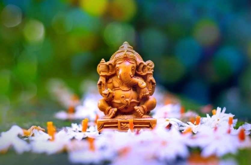 संकष्टी चतुर्थी के दिन पूजा के बाद जरूर करें इस मंत्र का जप, संतान सुख में होगी वृद्धि