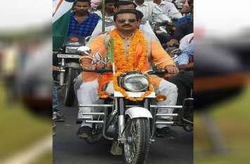 ये भाजपा विधायक इस शान से मनाता है अपना बर्थडे, विरोधी भी तारीफ करते नहीं थकते, पूरे साल रहती है चर्चा