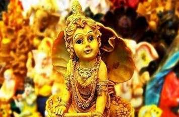 इस साल किस दिन मनाई जाएगी कृष्ण जन्माष्ठमी और जानें कैसे करें इसकी पूजा