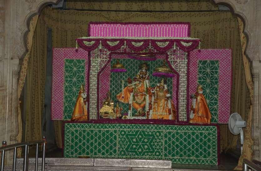जयपुर के आराध्य गोविन्द देव जी मंदिर में कृष्ण जन्मोत्सव की तैयारियां