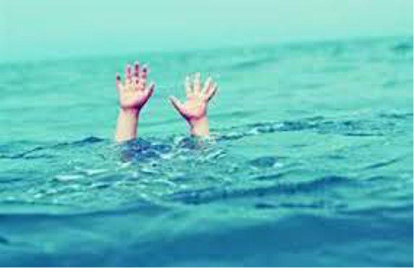 तालाब में डूबने से 2 बहिनों  की मौत