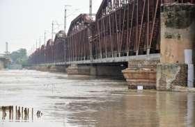 दिल्ली पर मंडराया बाढ़ का खतरा, लगातार बढ़ रहा यमुना का जलस्तर