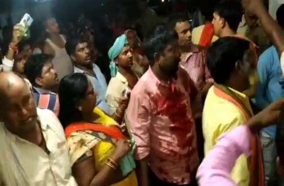 पीड़ित बोला, पुलिस वालों ने शराब के नशे में हमारी महिलाओं से अभद्रता की, फिर हमपर लाठियां बरसायी गयीं