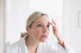 women's health - ट्यूबलाइट से भी महिलाओं के चेहरे पर पड़ सकती हैं झुरियां