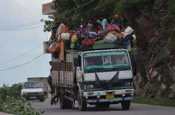 अलवर में क्षमता से अधिक सवारियों से भरे वाहन दुर्घटना को  दे रहे है निमंत्रण रोड पर इनको रोकने वाला कोई नहीं, देखे तस्वीरें
