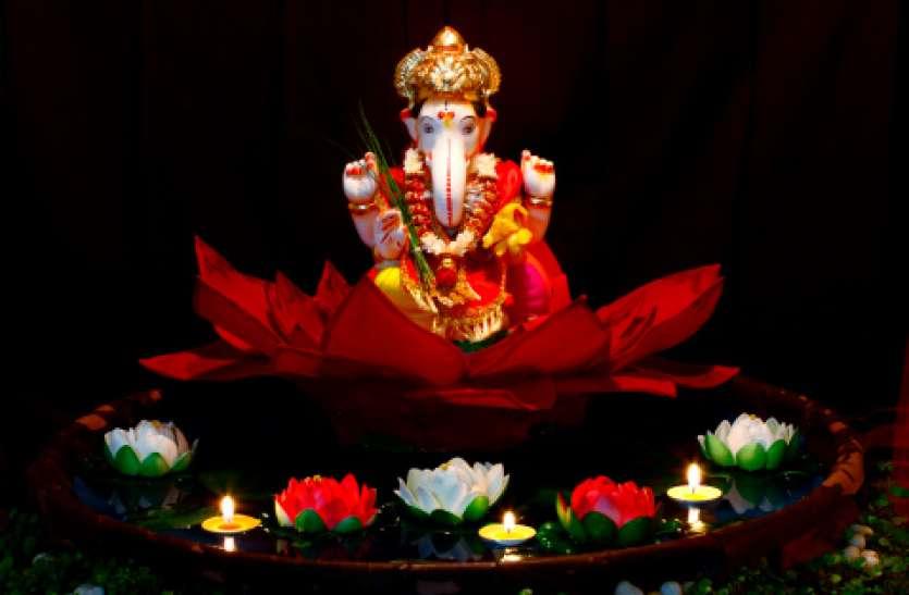 संकष्टी चतुर्थी, शाम को पूजा के बाद इन मंत्रों के जप से हमेशा बनी रहेगी बरकत और समृद्धि