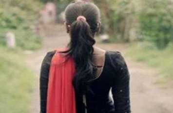 वाराणसी में बारिश से बचने को दुकान में घुसी लड़की से हैवानियत की कोशिश, जबरदस्ती मुंह में डाला पनीर और लस्सी