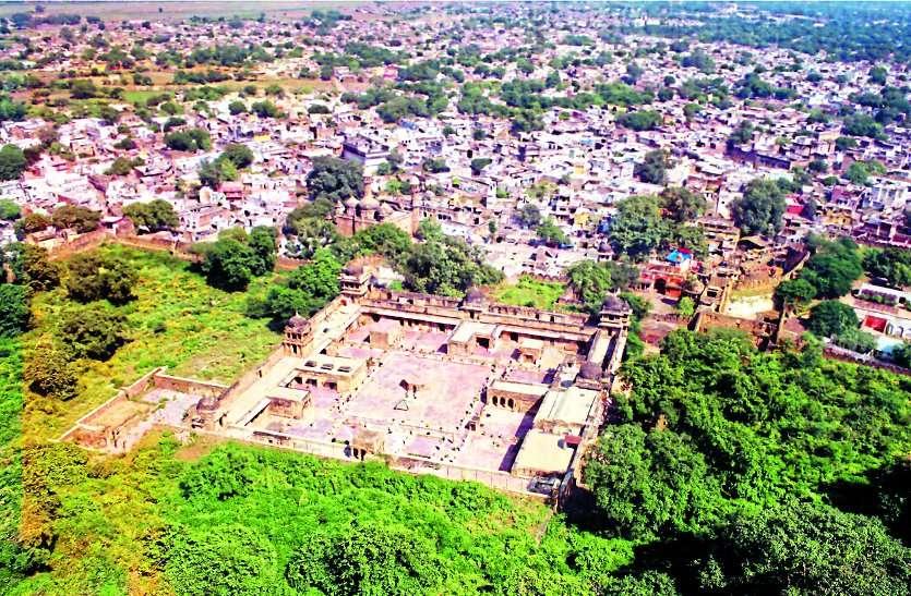राजा मानसिंह तोमर जयंती :700 साल पहले 300 फीट ऊंचे पहाड़ पर कला-संस्कृति के अद्भुत रूप रचे राजा मानसिंह ने