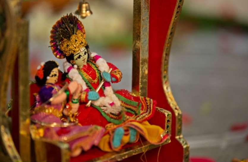 राधा-कृष्ण मंदिर : यहां पर ग्रंथ और मुकुट की होती है पूजा